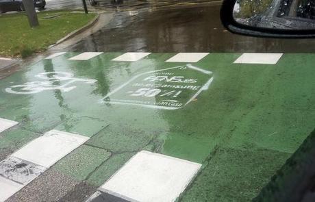 Pintada en carril bici