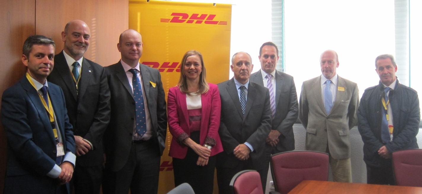 Mandos del SRPSE con miembros del Comité de Dirección de DHL Express en su sede central.