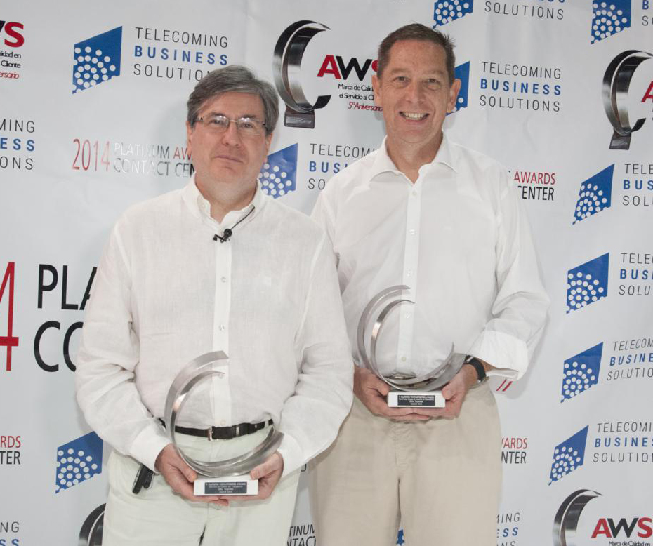 Representantes de DHL durante la entrega de premios