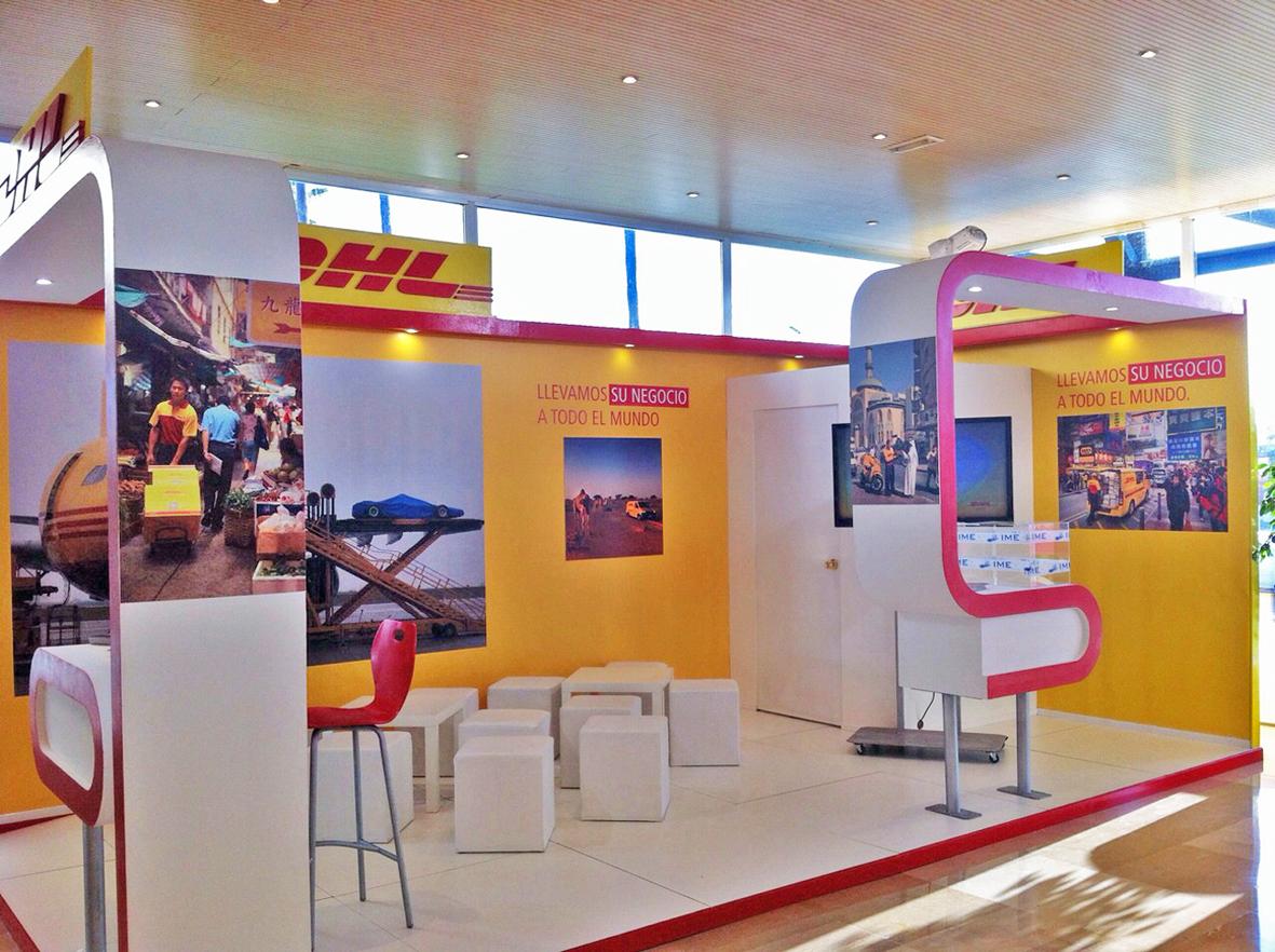 Stand de DHL en la feria IMEX de Sevilla