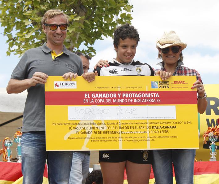 Entrega del premio de DHL a Rodrigo Pelaz