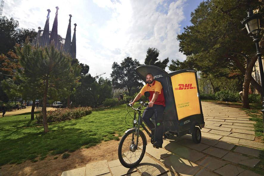 Triciclos de reparto eléctrico de DHL en Barcelona