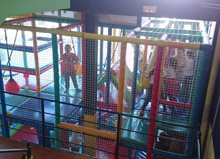 Fiesta de DHL para los niños de Aldeas Infantiles SOS