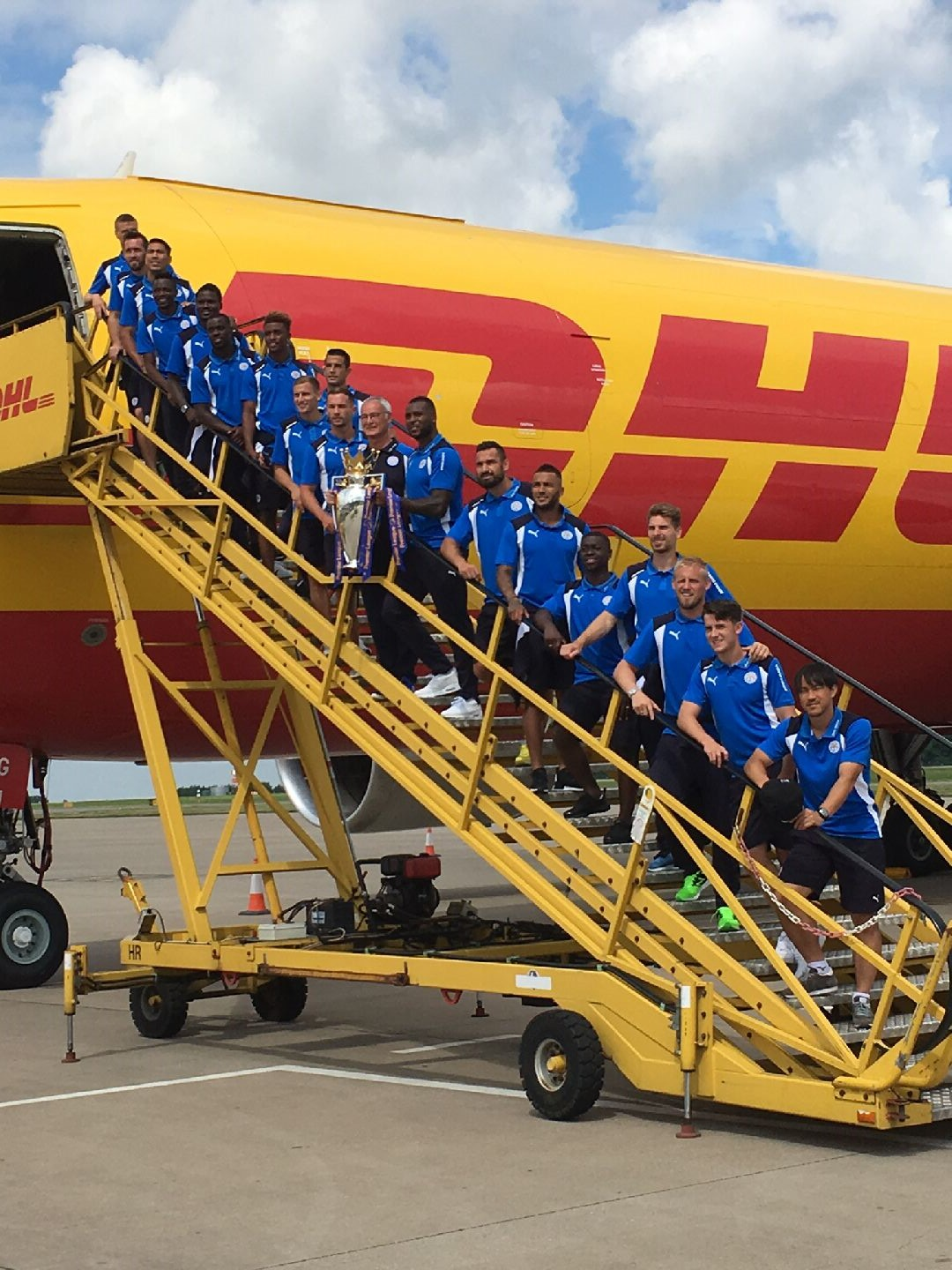 Leicester City y DHL